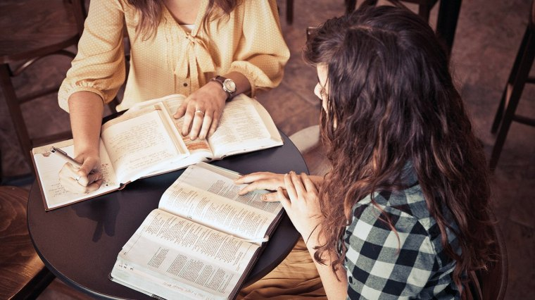 women-bibles-studying