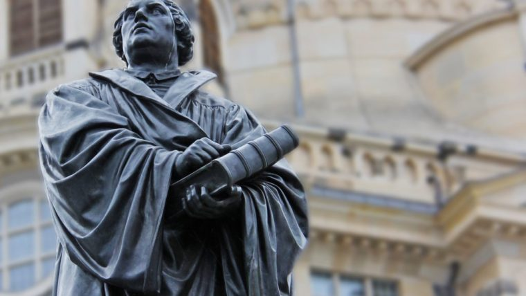 martin-luther-church-statue