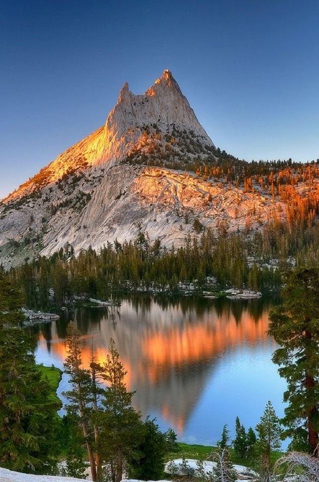 mountain-cathedral-light-yosemite